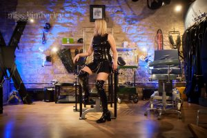 Visiting a Professional Mistress for the first time