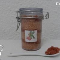 [:de]Körperpeeling mit Salz[:fr]Bodypeeling au sel[:]