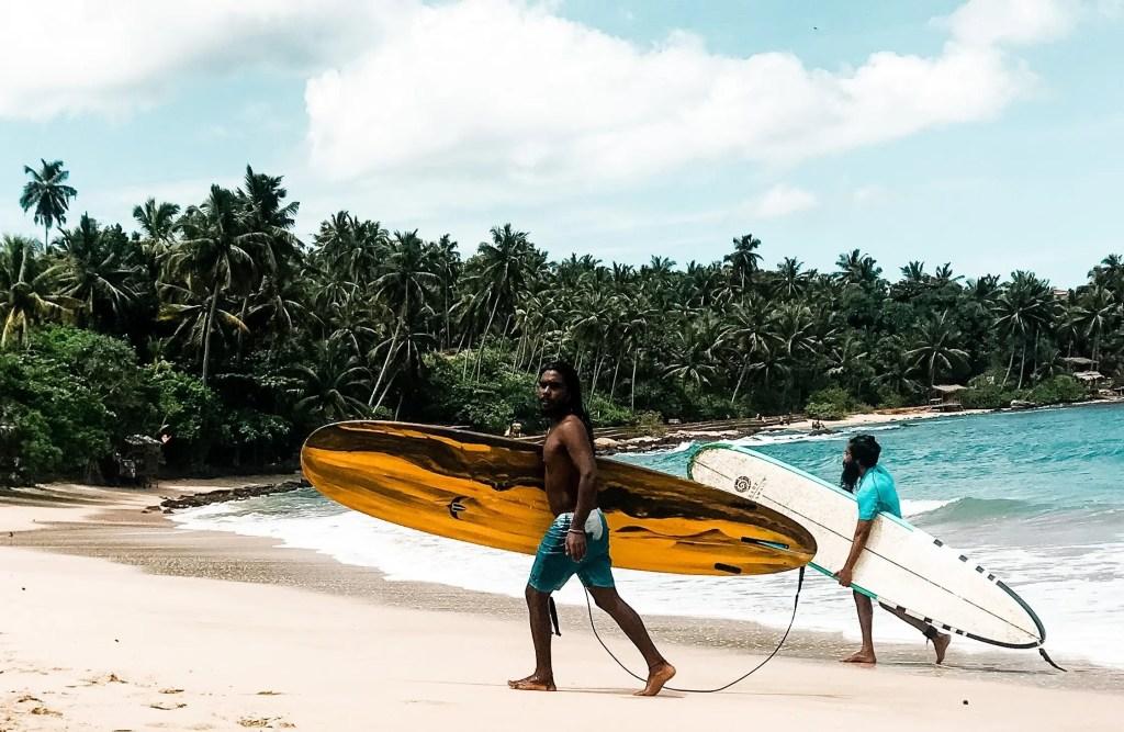 Sri Lankan surfers