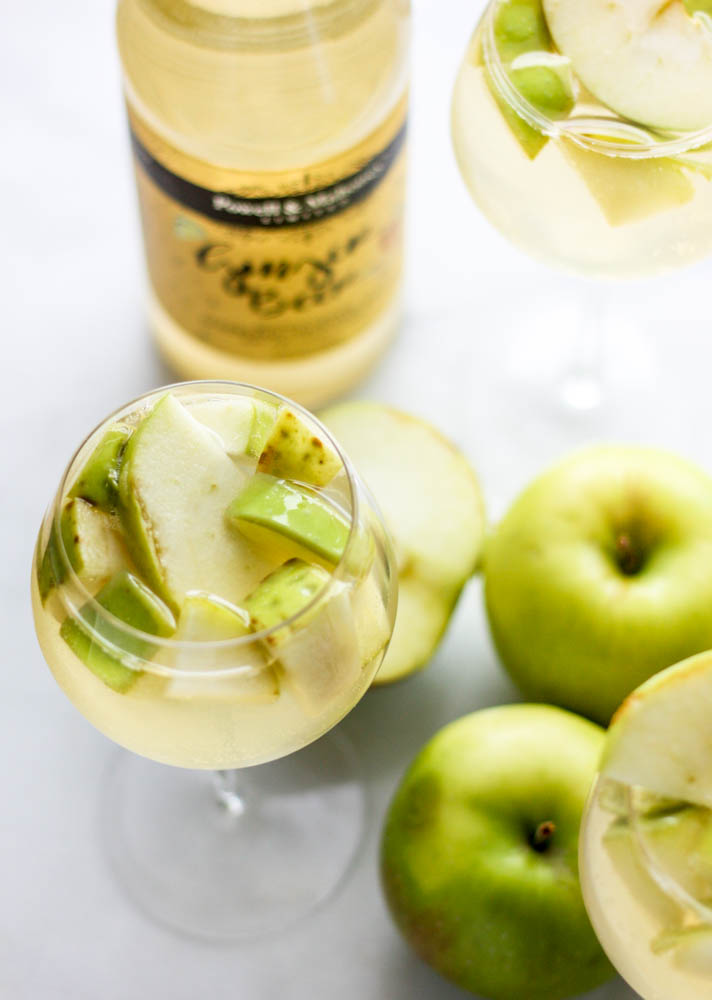 Sparking White Ginger Apple Sangria!