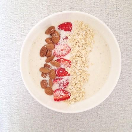 Smoothie bowl fraise banane (1)