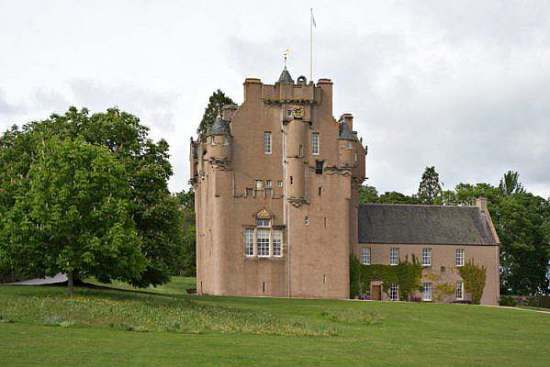 Crathes Castle green lady