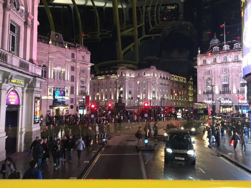 piccadilly-circus-night-london
