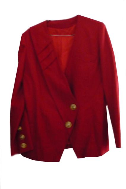 Jolie veste originale avec des boutons dorées 10€