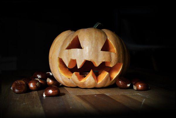 Tutorial sobre cómo decorar una calabaza de Halloween
