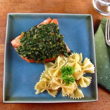 Quick Oven Roasted Salmon with Spinach Pesto   Miss in the Kitchen