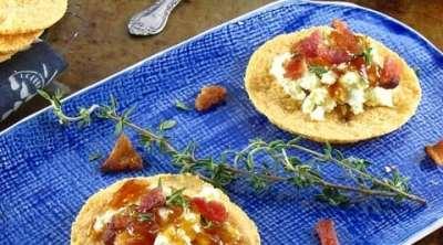 Bacon-Ricotta & Orange Marmalade Topped Parmesan Crisps from www.missinthekitchen.com