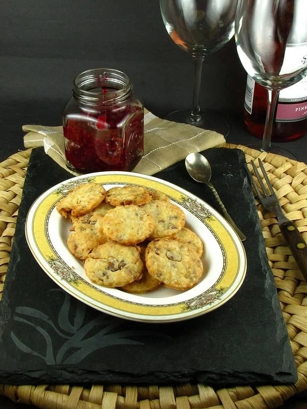 Bacon Parmesan Crackers - Miss in the Kitchen