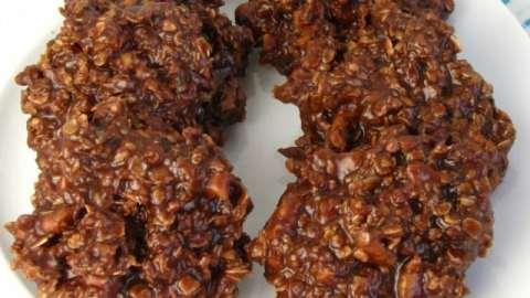 No Bake Cookies with Biscoff and Pecans
