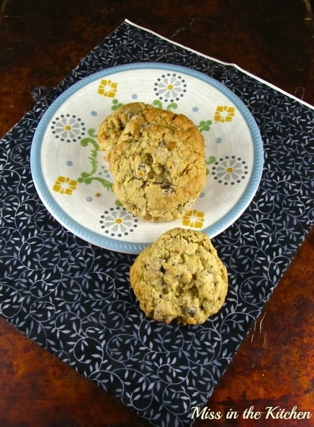 Oatmeal Double Chip Cookies 2 - Miss in the Kitchen