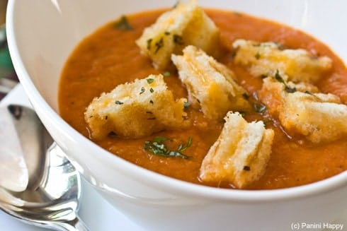 Grilled-Tomato-Soup-Grilled-Cheese-Croutons-close-490