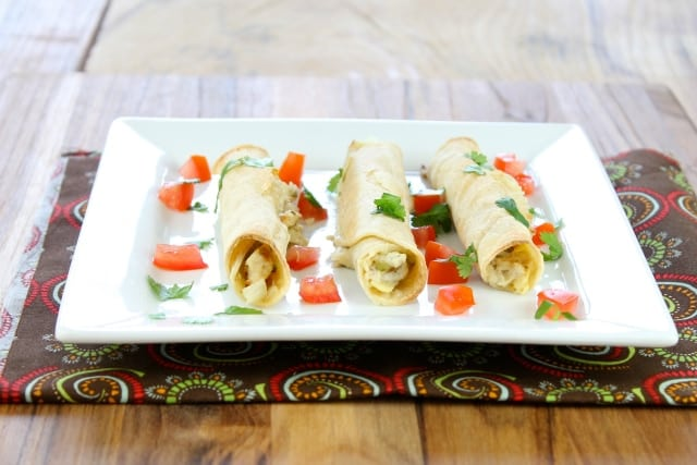 Chicken, Artichoke & Jalapeño Taquitos Recipe from Miss in the Kitchen #appetizers