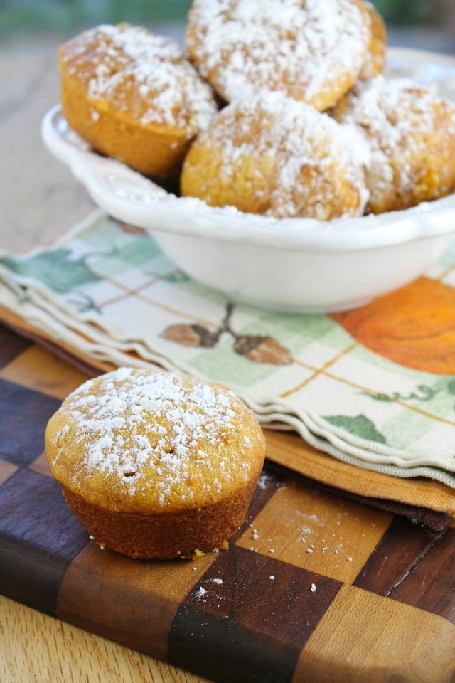 The Best Biscoff Pumpkin Muffins from missitnthekitchen.com #recipe