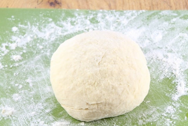 Dough for White Cheddar Garlic Knots missinthekitchen