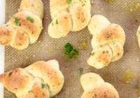 White Cheddar Garlic Knots