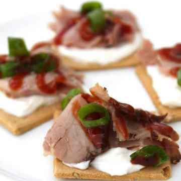Easy Roast Beef Appetizer Bites from Miss in the Kitchen with Partners Gluten Free Crackers #sponsored