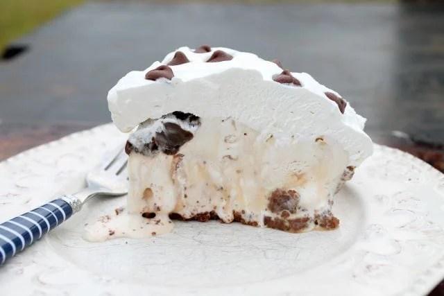 Salted Caramel Hazelnut Ice Cream Pie |  miss in the Kitchen
