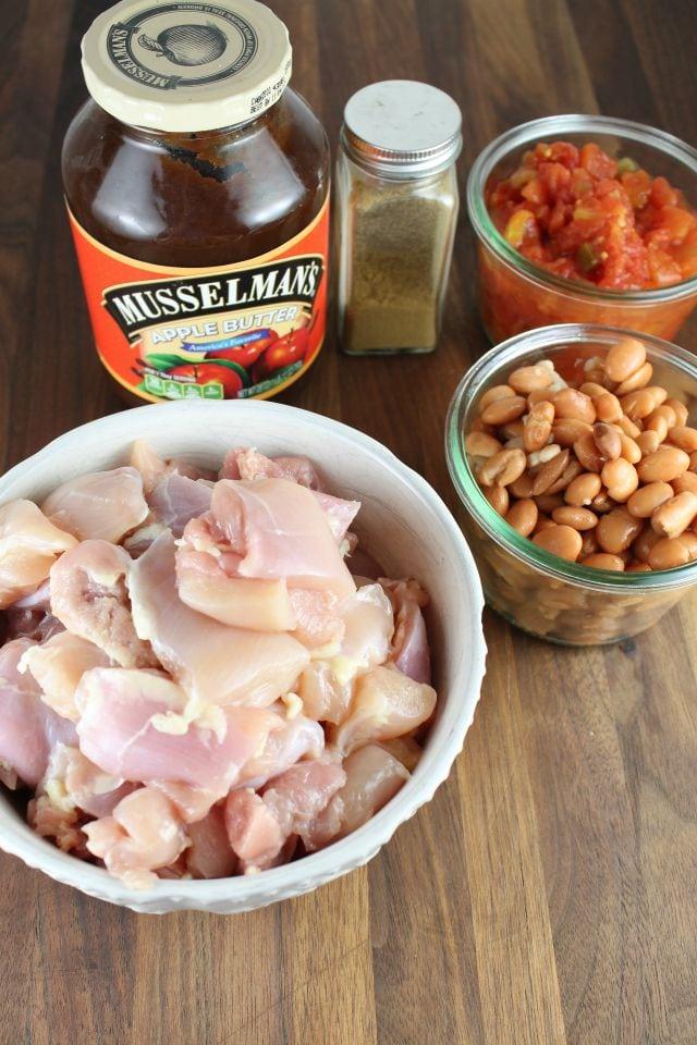 5 Ingredient Slow Cooker Mexican Chicken from missinthektichen
