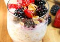 Overnight Oats with Berries and Walnuts