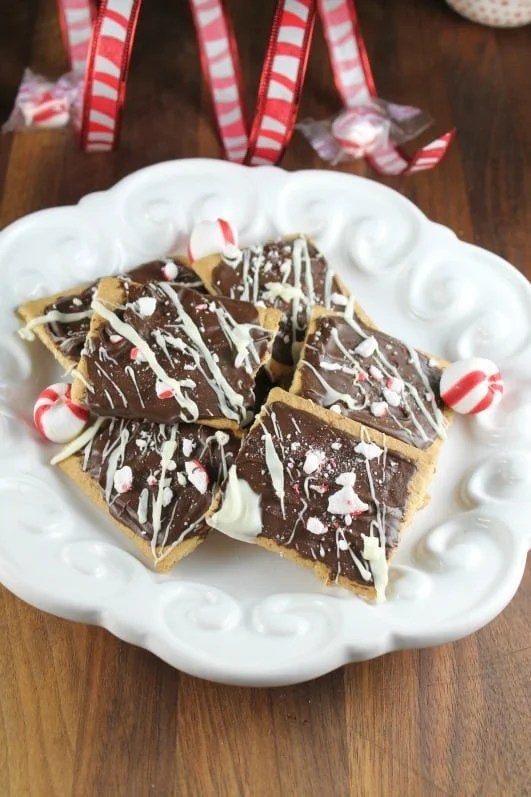 Chocolate-Peppermint-Graham-Treats-from-miss-in-the-kitchen