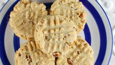 Pecan Sandies Cookies Recipe from MissintheKitchen.com
