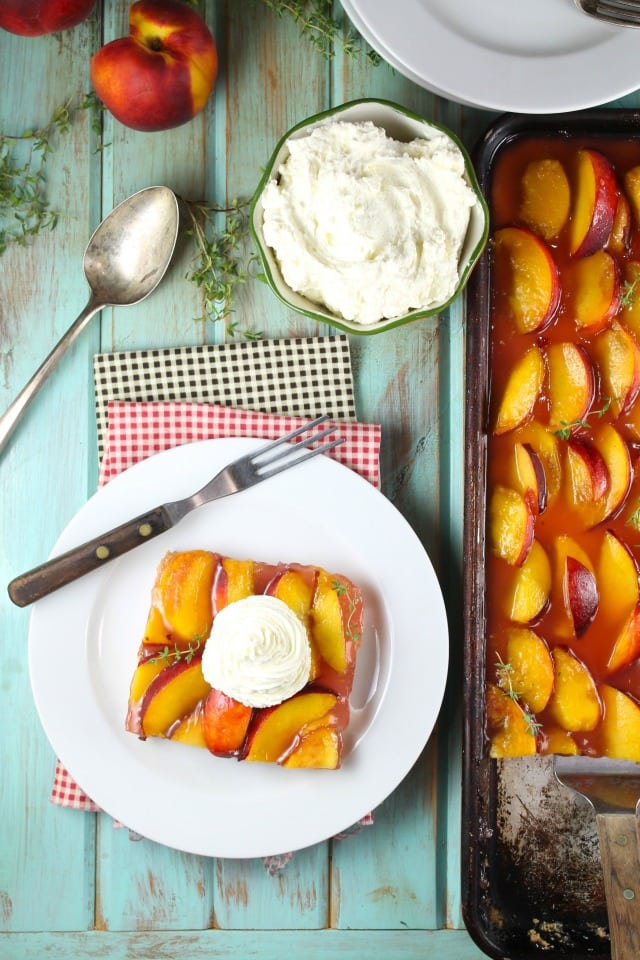 Peach Slab Pie Recipe for summer! So easy and so delicious with summer fresh peaches. From Missinthekitchen.com