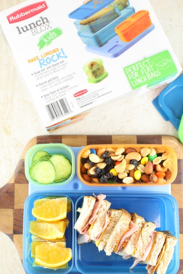 Easy Lunch Box Ideas with Rubbermaid LunchBlox ~ Sandwich on a Stick ~ MissintheKitchen.com #ad