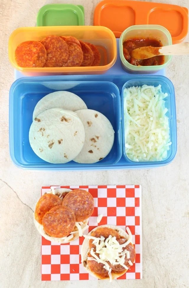 Easy Lunch Box Ideas with Rubbermaid LunchBlox ~ DIY Pepperoni Pizza ~ MissintheKitchen.com #ad