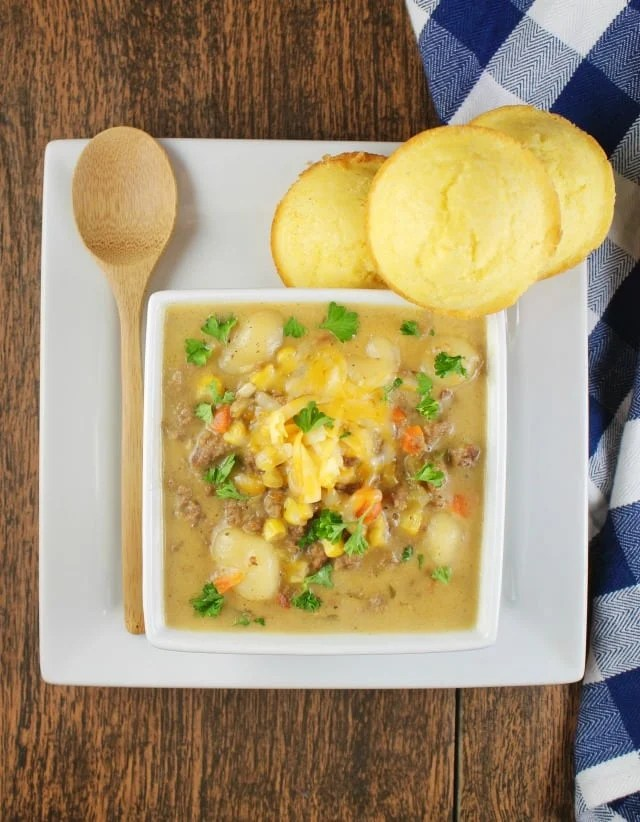 Easy dinner recipe ~ Cheeseburger Gnocchi Soup ~ MissintheKitchen.com