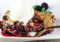 Easy Blackberry Crisp Recipe - MissintheKitchen.com