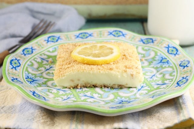 Lemon Icebox Cheesecake ~ Easy no bake dessert for holidays and family get togethers ~ MissintheKitchen.com