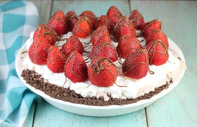 Hazelnut Gelato Pie Recipe ~ Miss in the Kitchen.com
