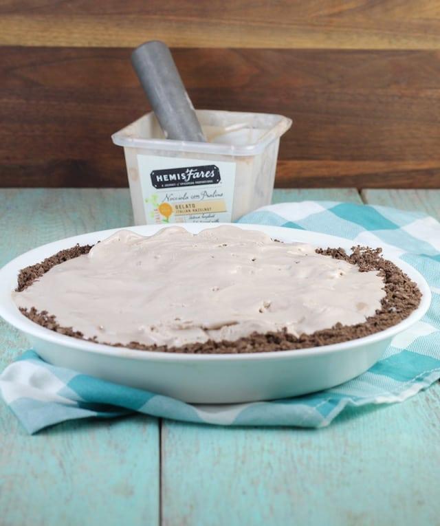 Hazelnut Gelato Pie Recipe ~ MissintheKitchen