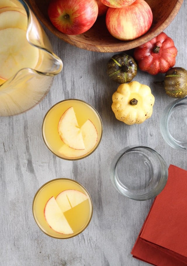 Recipe for Easy Fall Party Punch ~ Just 3 ingredients! Perfect for fall entertaining and Thanksgiving holidays! From MissintheKitchen.com