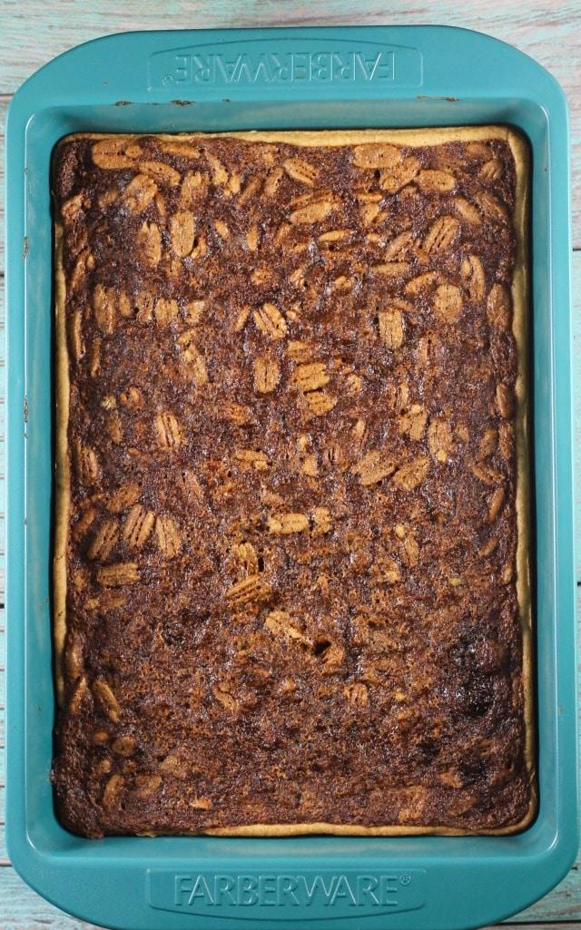 Brown Sugar Pecan Pie Bars ~ Easy holiday dessert recipe ~ MissintheKitchen.com #AD @Walmart @Pillsbury #christmas #holiday #pecans