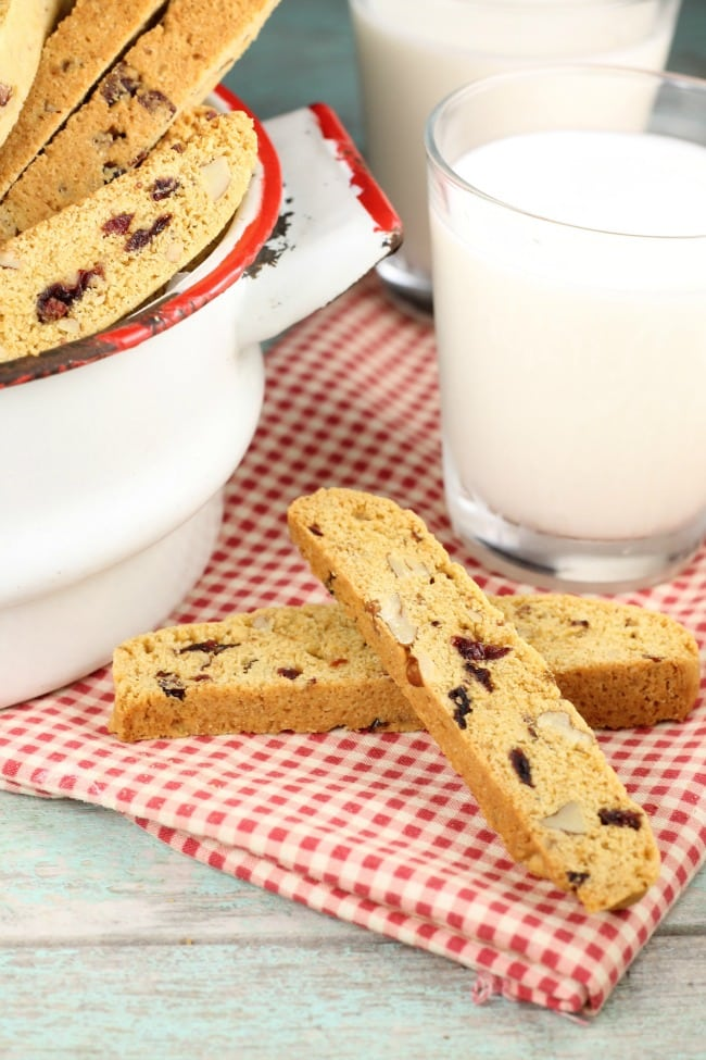 Cranberry Pecan Biscotti Recipe ~ Holiday baking recipe ~ MissintheKitchen.com #holidaycookies #christmas