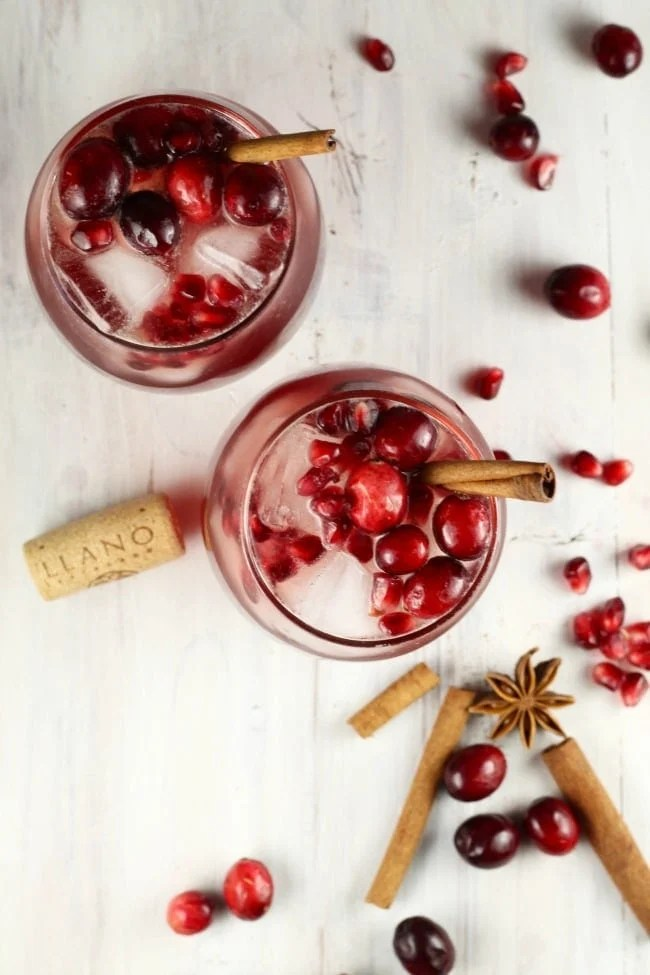 Cranberry Wine Punch ~ perfect party punch with Llano Wines ~ MissintheKitchen.com #ad #cocktail #wine