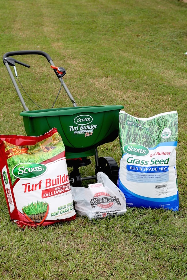 Fall Lawn Care Tips with Scotts & Tractor Supply Company