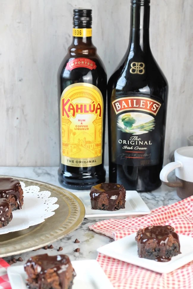 Mini Mudslide Cheesecakes with Bailey's Irish Cream & Kahlua coffee liqueur