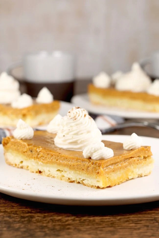 The Best Pumpkin Pie Bars Dessert