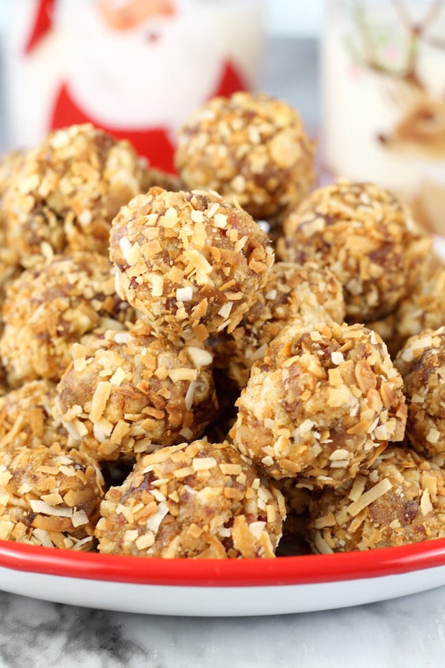 How to make Crispy Date Balls with Coconut