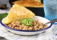 Crock Pot Black Eyed Peas with cornbread