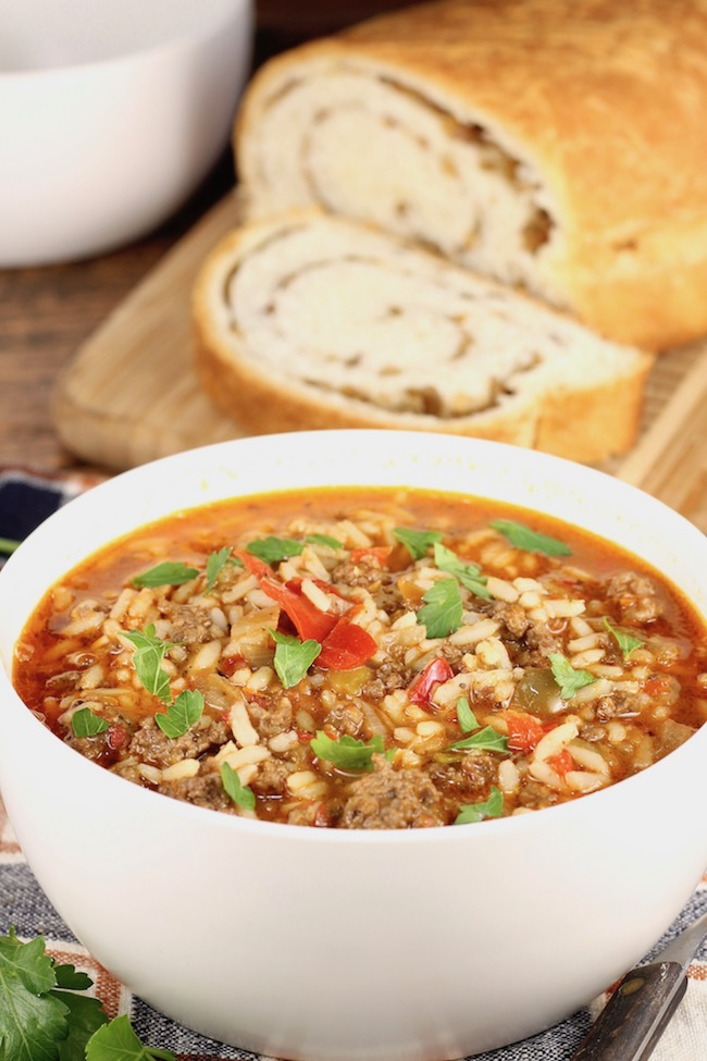 Easy Stuffed Pepper Soup with ground beef and rice