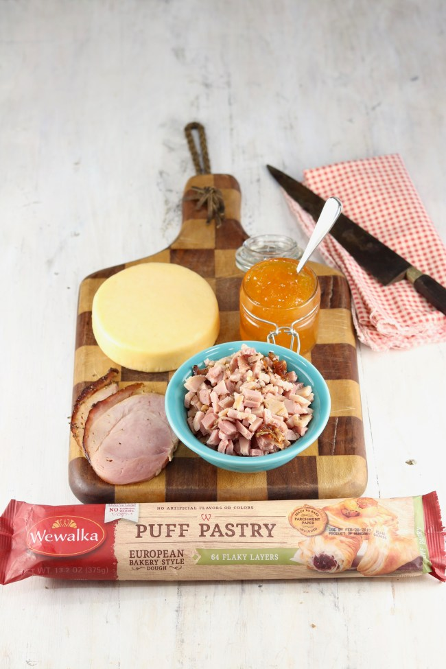 Ingredients for Ham and Cheese Party Puffs with Wewalka Puff Pastry and peach jam