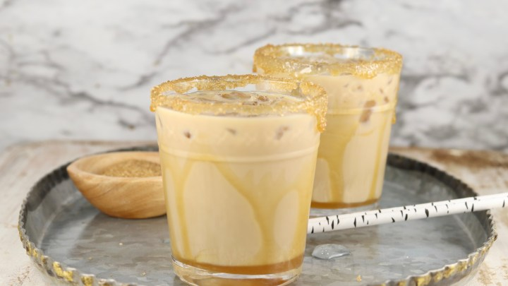 Mudslide cocktails with salted caramel