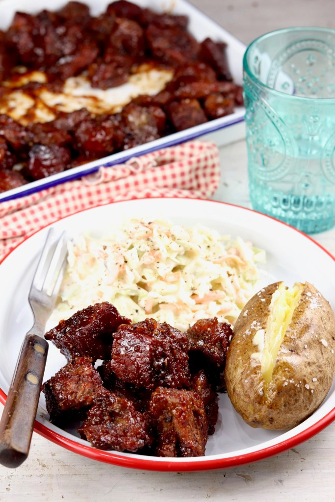 Barbecue plate with slaw and potato