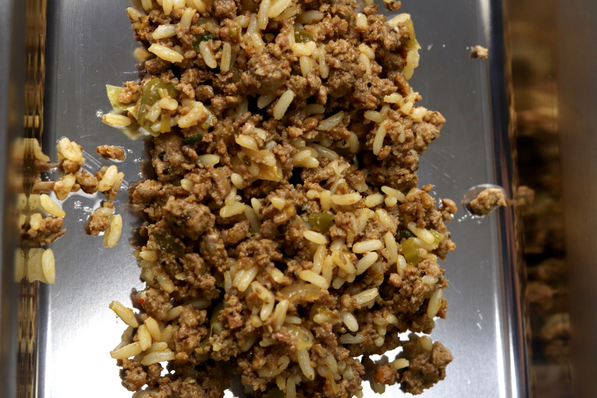 Making sausage with rice and ground pork