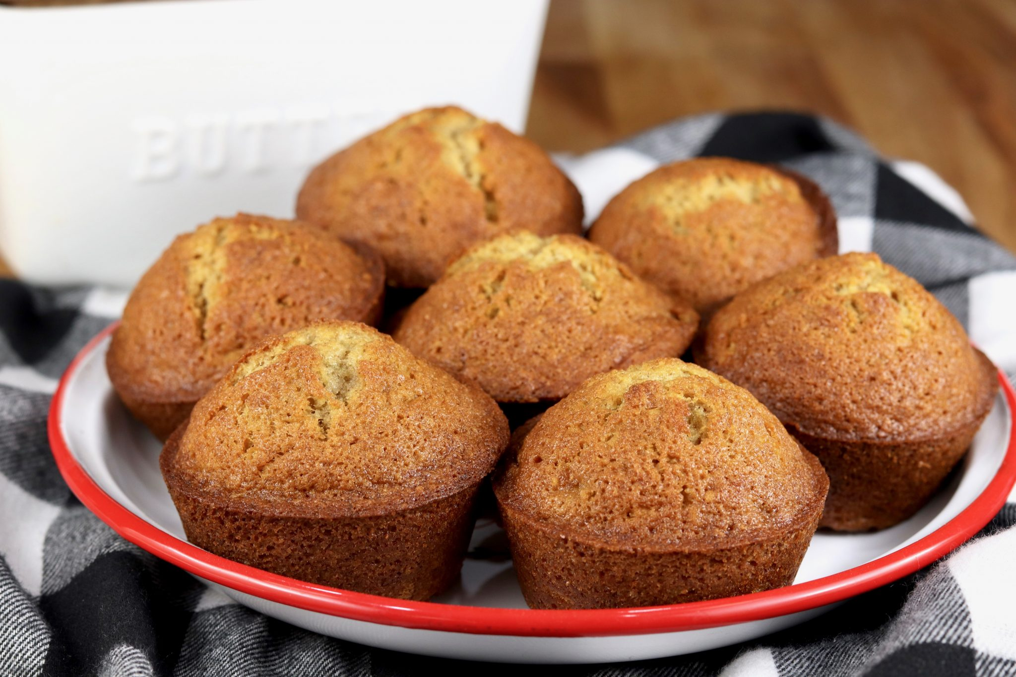 Easy Banana Muffins One Bowl No Mixer Miss In The Kitchen