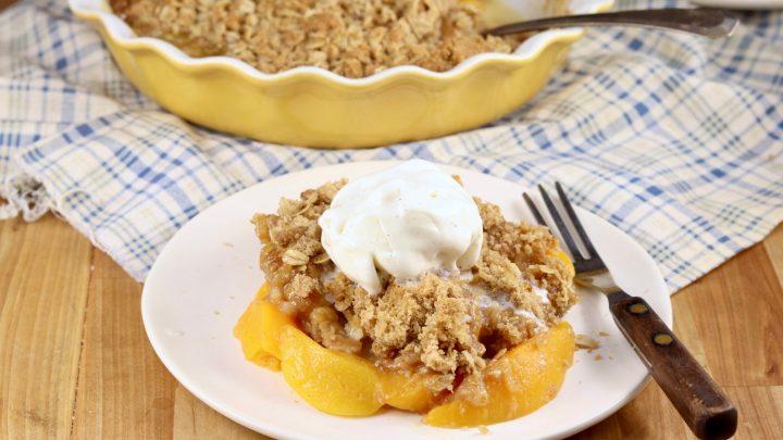Easy Peach Crisp with vanilla ice cream