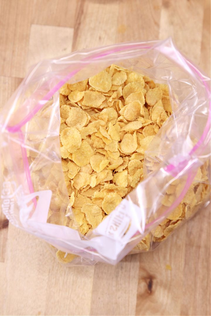 baggie with cornflakes cereal
